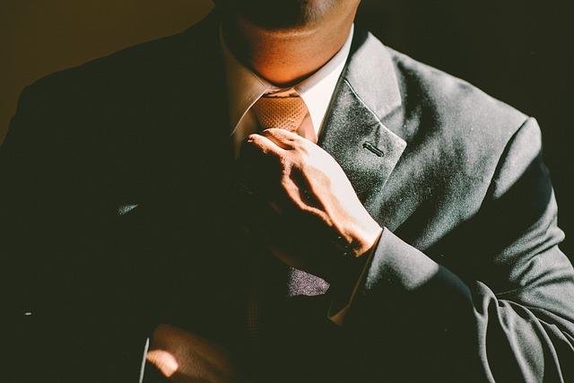 【必見】本物のイケメンが多い職業を徹底解説!!【上場企業広報など】