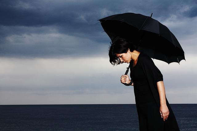 美人に恋愛経験が少ない人が意外と多い5つの理由とは!?【実は根暗】